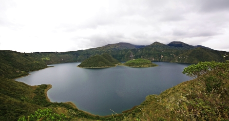 Panoramica laguna cuycocha