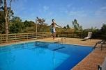Victor en la piscina en Itu