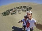 Nosotros y el oasis de Huacachina