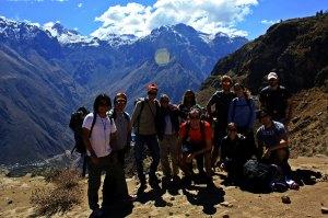 Grupo empezando Hiking Cañon del Colca