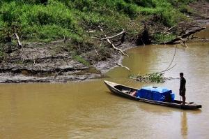 Pescador en el Amazonas