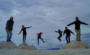 Todos juntos saltando