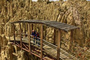 Puente sobre Valle de la Luna, La Paz, Bolivia