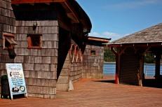 Restuarante con forma de barco en Dalcahue