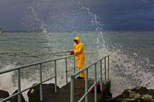 Pescador en el Lago Puerto Varas