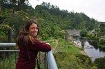 Ruth en el paseo por Karangahake reserve