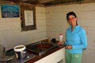 Ruth cocinando en Otaki beach reserve