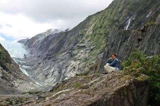 RUth en un risco Glaciar Franz Joseph